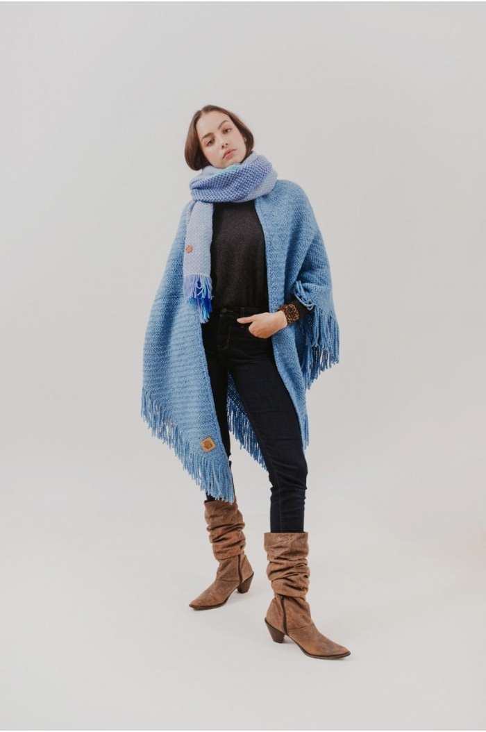 Huella Fringed Wrap in Blue