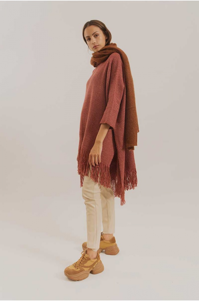 Poncho With Sleeves Silky in Bordeaux
