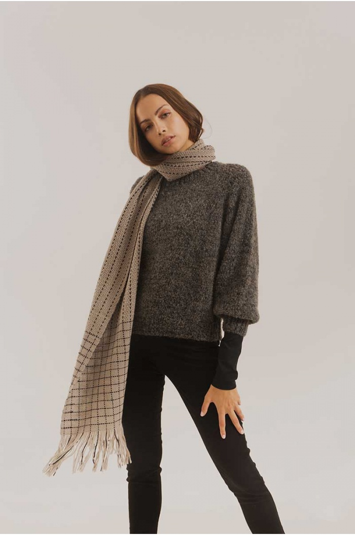 Long Scarf Pixel in Merino Grey and Black