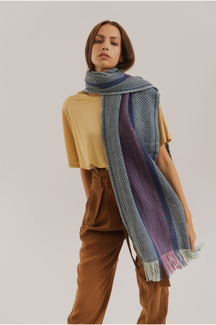 Long Scarf 3000 in Merino and Silk Blue