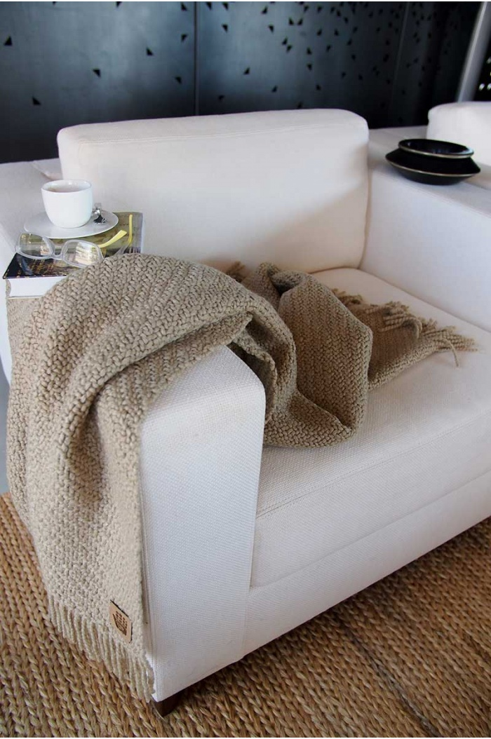 Huella Beige Throw