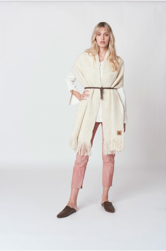 Huella Off-White Shawl