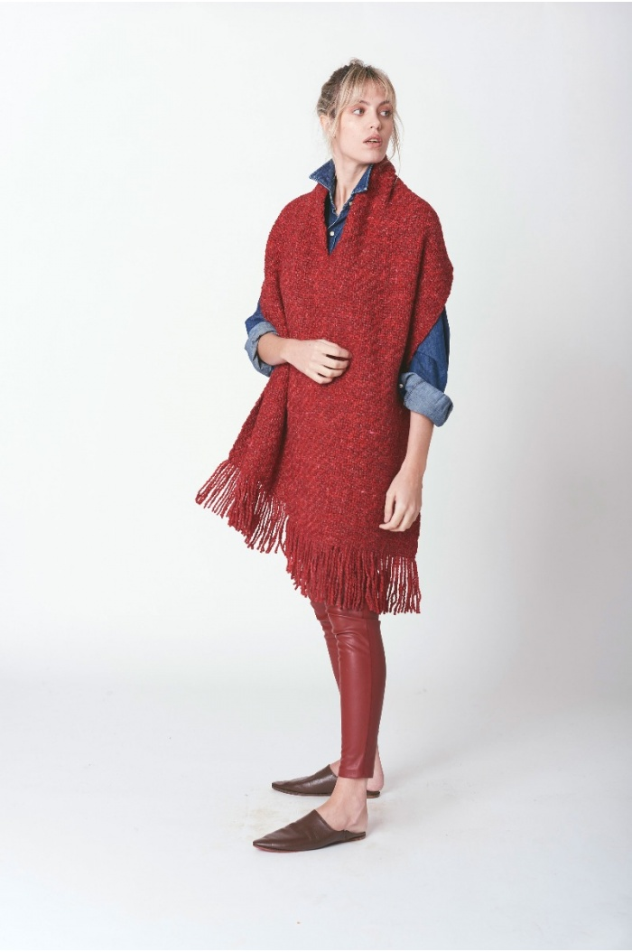 Huella Red Shawl