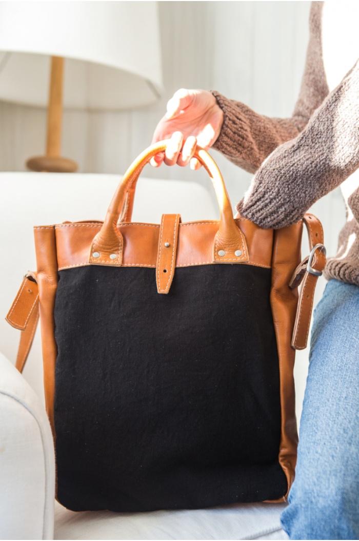Aspen Leather Handbag in Black