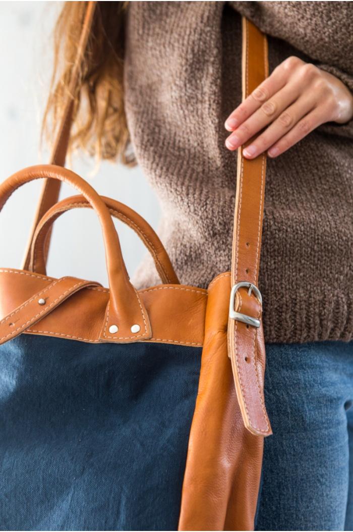 Aspen Leather Handbag in Navy Blue