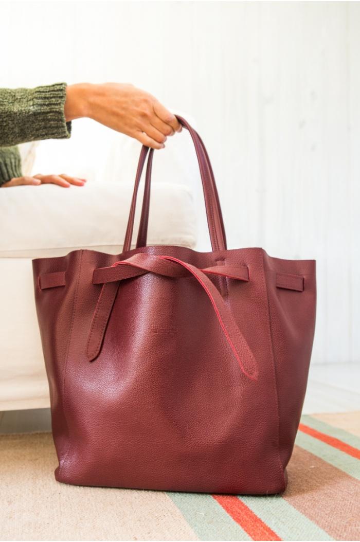 Leather Handbag with Ribbon Bordeaux
