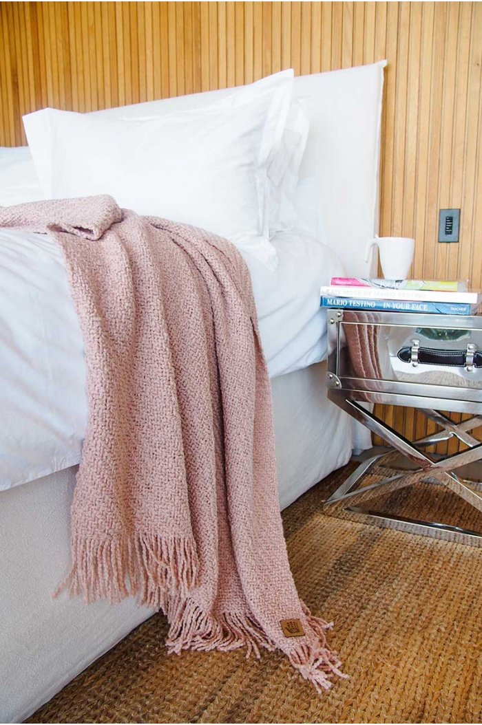 Huella Rose Throw for bed