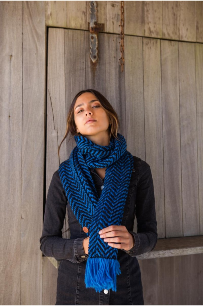Espiga Long Scarf in Blue and Black