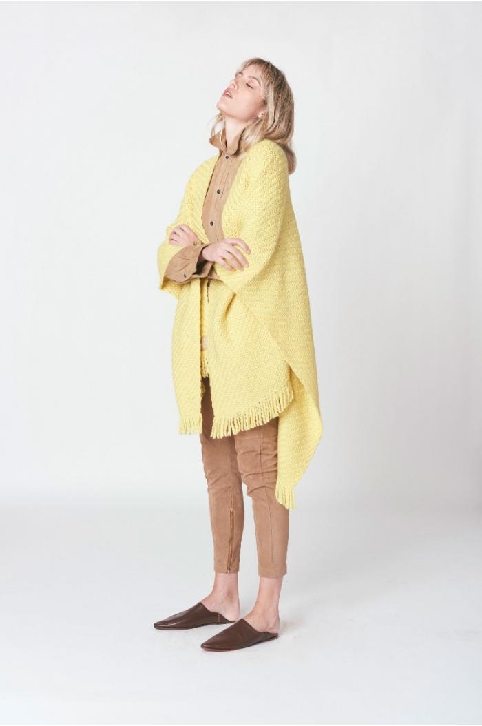 Huella Yellow Ruana