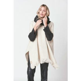 Salteño Off-White Poncho with Black Neck