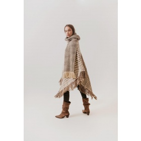 Fringed Wrap Cadaquez in Beige